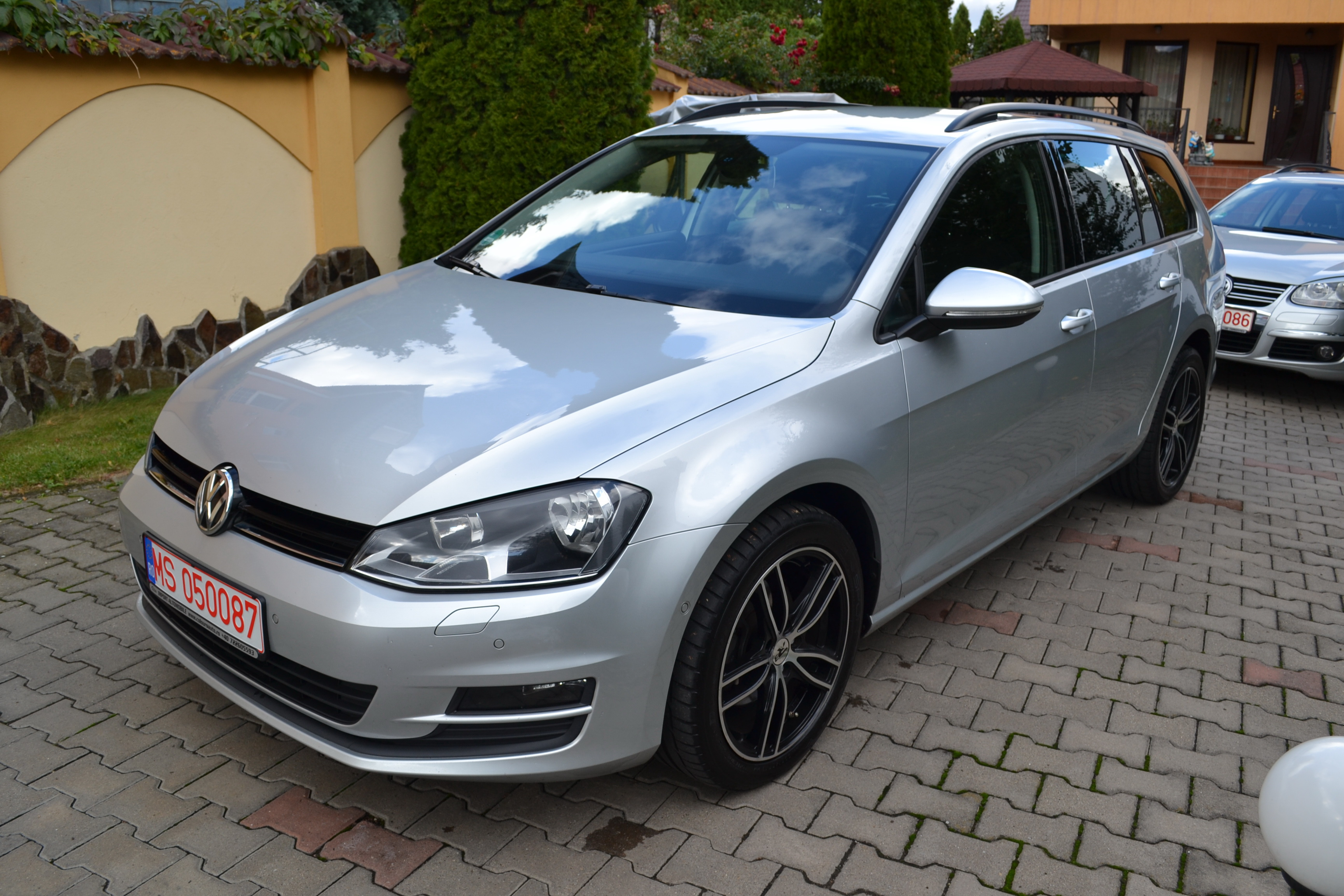 VW GOLF 1.6TDI CONFORTLINE!!BLUE MOTION!!JENTI ALU!!EURO5!!
